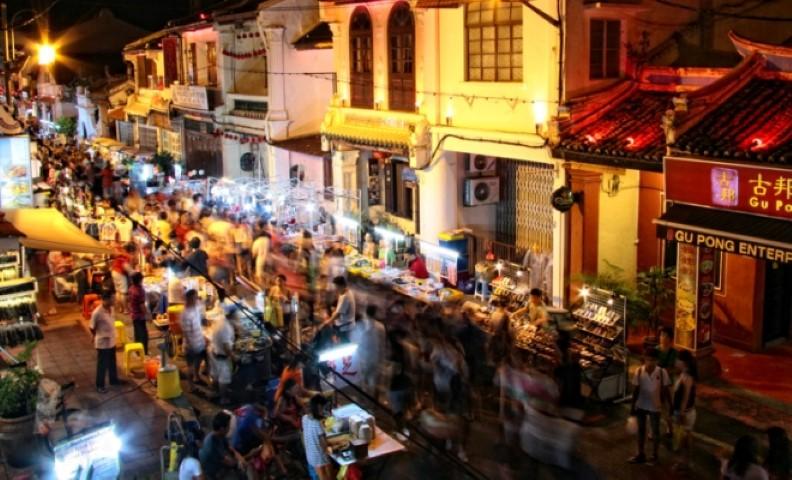 Tempat-Menarik-Di-Melaka-Jonker-Walk-Street