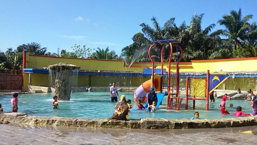Tempat-Menarik-Di-Melaka-Kolam-Air-Panas-Jasin