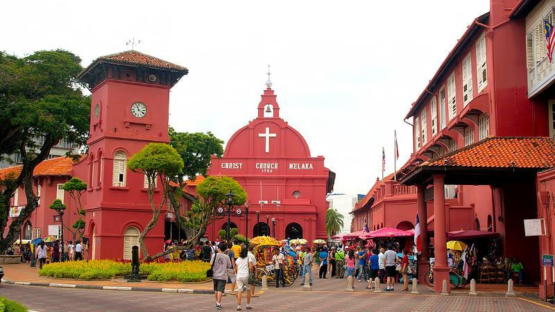 Tempat-Menarik-Di-Melaka-The-Stadthuys