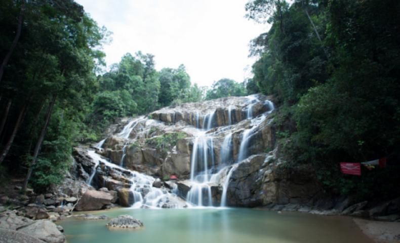Tempat-Menarik-di-Pahang-Air-Terjun-Sungai-Pandan
