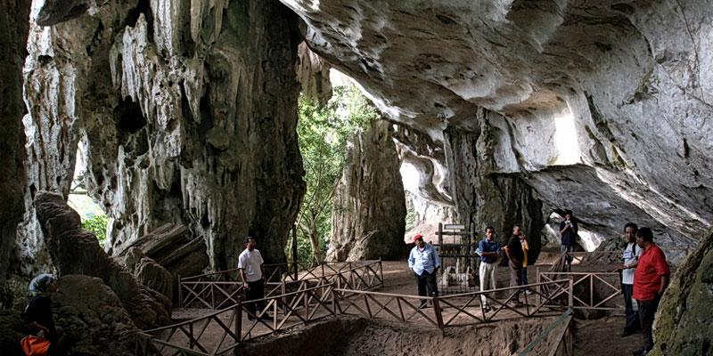 Tempat-Menarik-di-Pahang-Gunung-Senyum