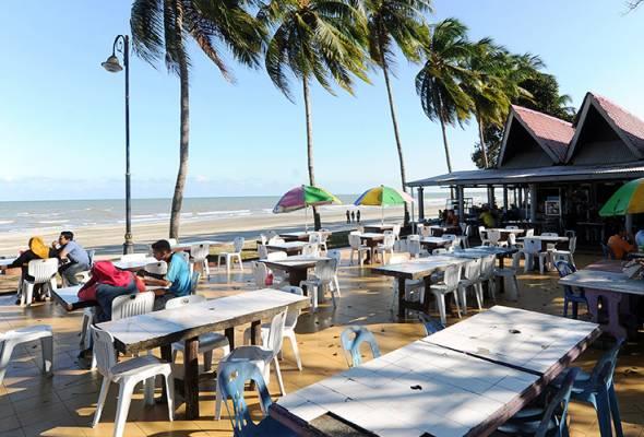 Tempat-Menarik-di-Pahang-Pantai-Balok