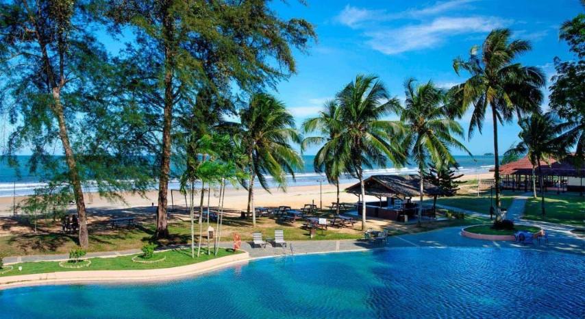 Tempat-Menarik-di-Pahang-Pantai-Cherating