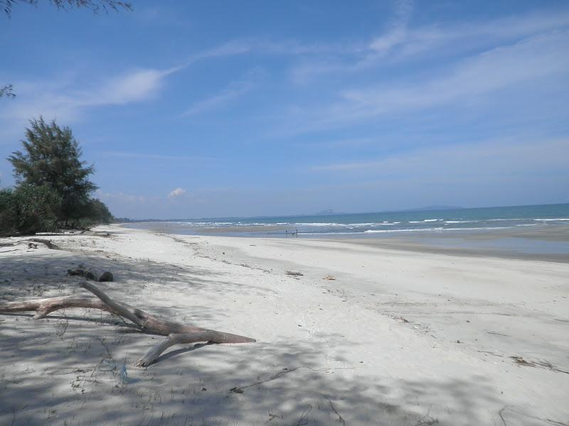 Tempat-Menarik-di-Pahang-Pantai-Pelindung