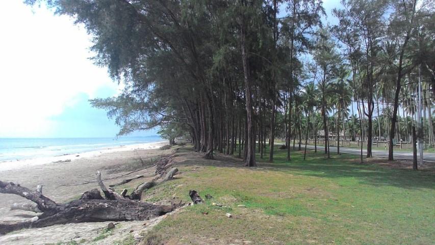 Tempat-Menarik-di-Pahang-Pantai-Sepat