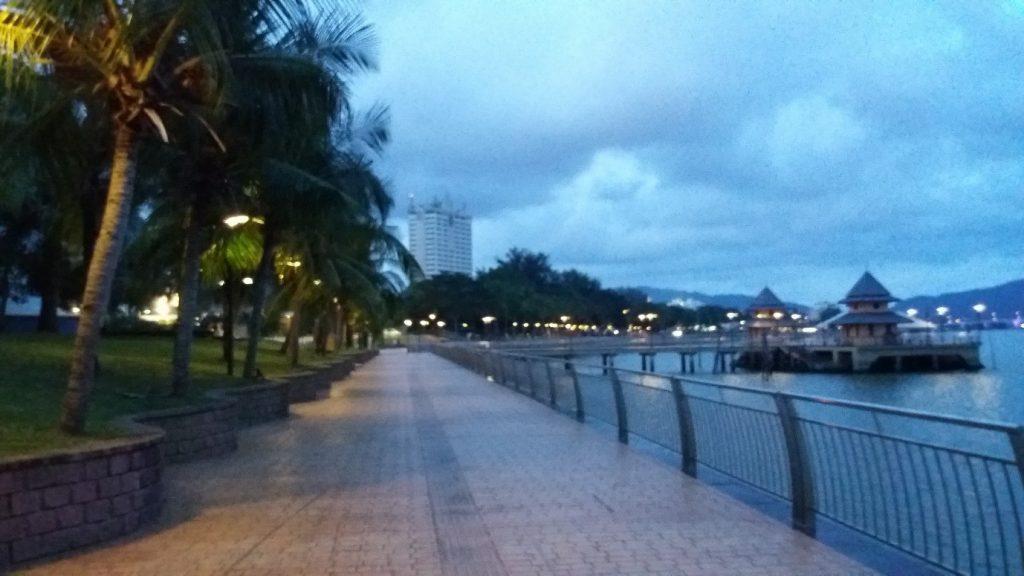 Tempat-Menarik-di-Pahang-Taman-Esplanade