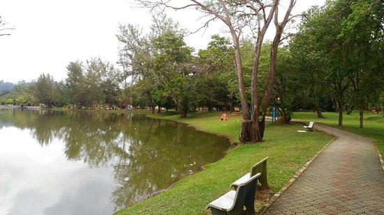 Tempat-Menarik-di-Pahang-Taman-Tasik-Bandar-Kuantan