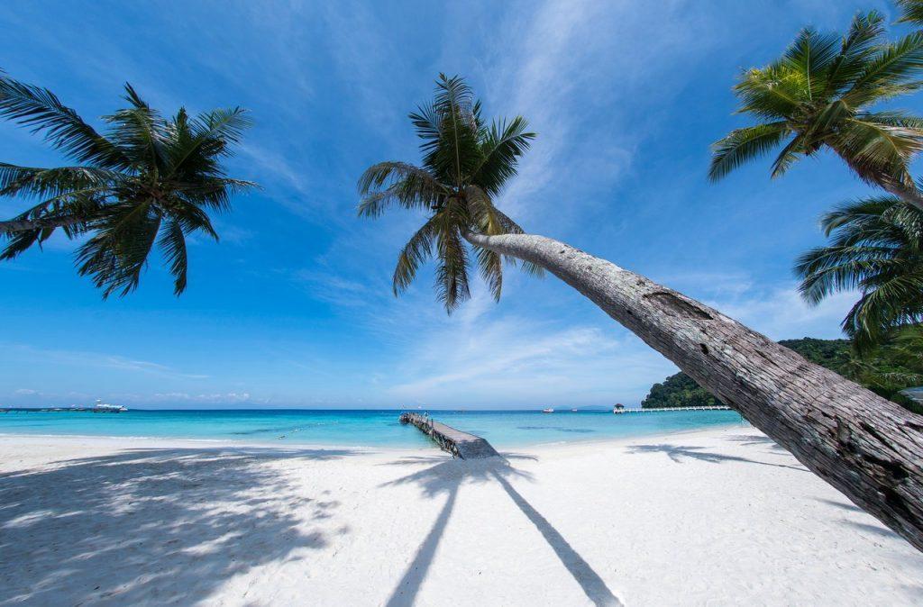 Tempat-Menarik-di-Pulau-Lang-Tengah