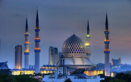 Tempat-Menarik-di-Selangor-Masjid-Negeri