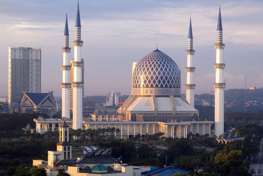 Tempat-Menarik-di-Selangor-Masjid-Sultan-Abdul-Aziz