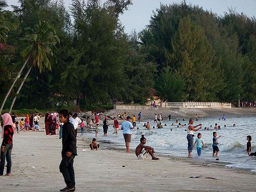 Tempat-Menarik-di-Selangor-Pantai-Morib