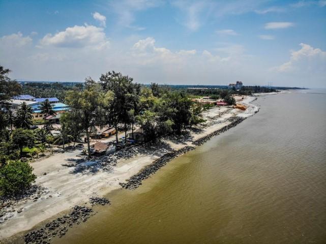 Tempat-Menarik-di-Selangor-Pantai-Remis