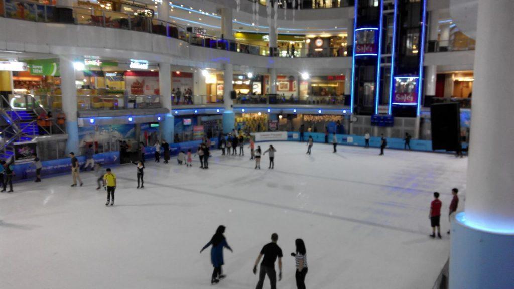 Tempat-Menarik-di-Selangor-Sunway-Pyramid-Ice-Skating