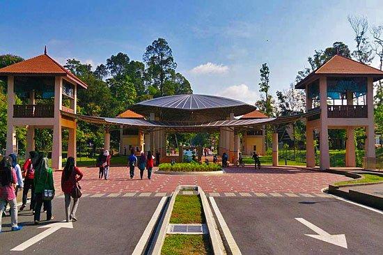 Tempat-Menarik-di-Selangor-Taman-Botani-Shah-Alam