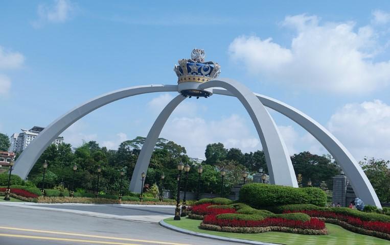 Tempat-Menarik-Di-Johor-Istana-Bukit-Serene