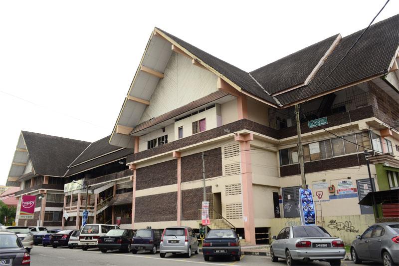 Tempat-Menarik-Di-Kelantan-Bazar-Buluh-Kubu