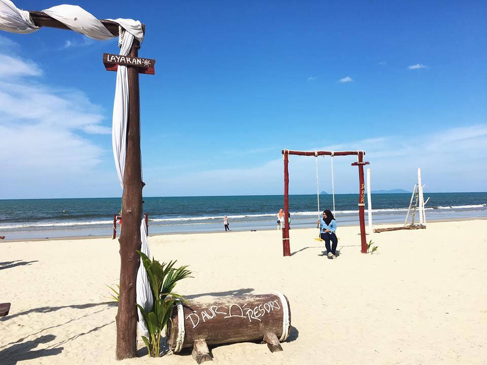 Tempat-Menarik-Di-Kelantan-D-Aur-Beach-Resort