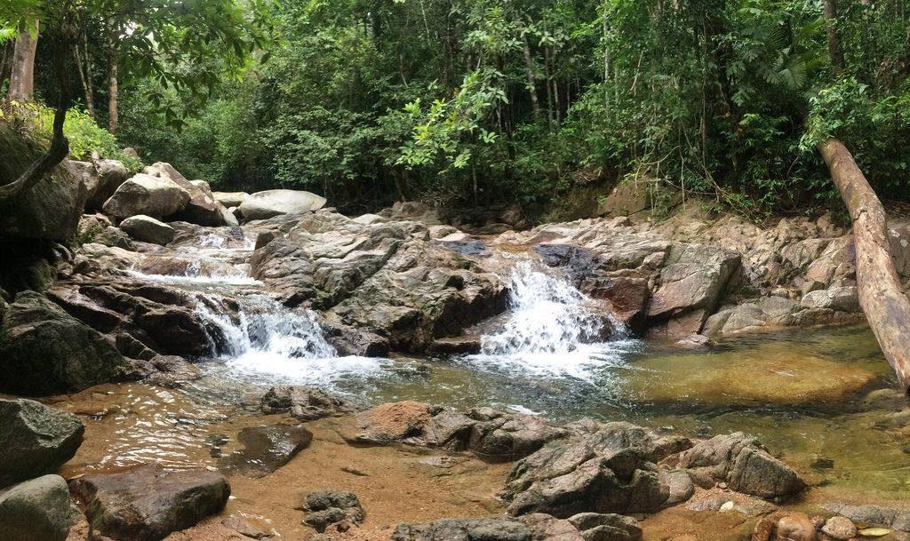 Tempat-Menarik-Di-Kelantan-Jeram-Mak-Nenek-@-Jeram-Mengaji.bak_