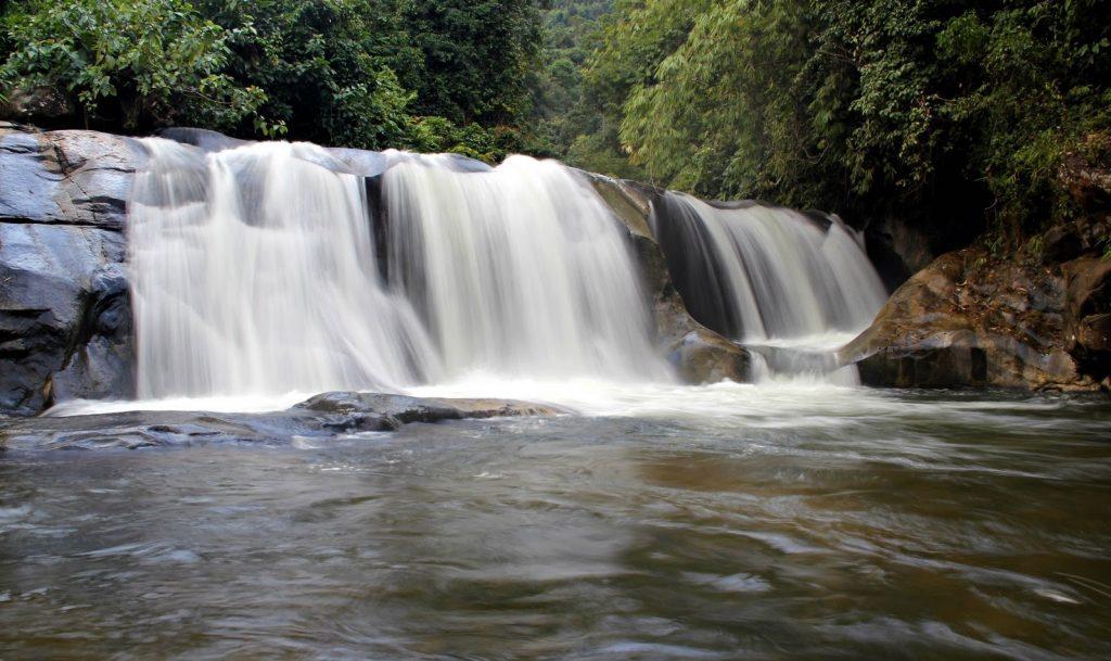 Tempat-Menarik-Di-Kelantan-Lata-Kertas