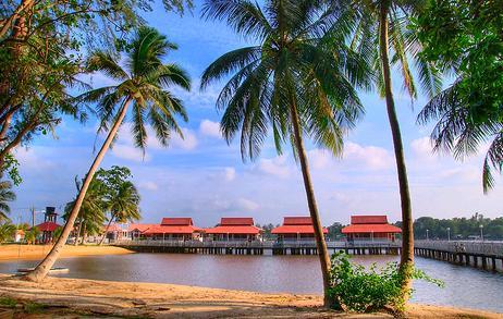 Tempat-Menarik-Di-Kelantan-Pantai-Sri-Tujoh