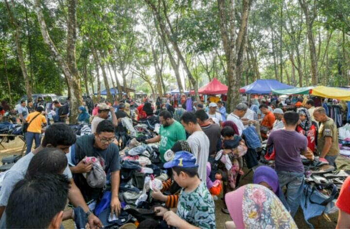 Tempat-Menarik-Di-Kelantan-Pasar-Pagi-Kampung-Guntong-1