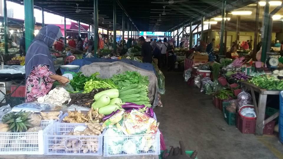 Tempat-Menarik-Di-Kelantan-Pasar-Siti-Aishah-Jelawat