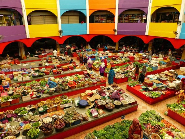 Tempat-Menarik-Di-Kelantan-Pasar-Siti-Khadijah