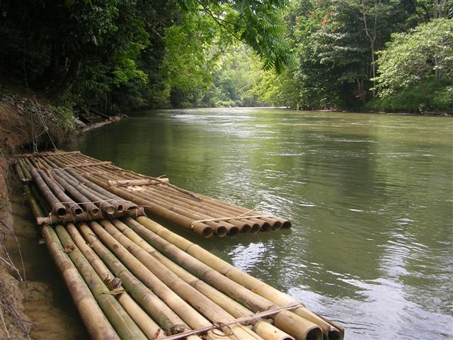 Tempat-Menarik-Di-Kelantan-Sungai-Nenggiri