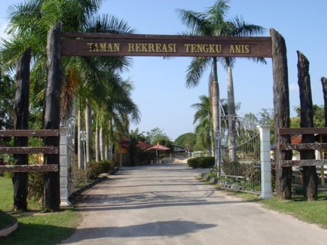 Tempat-Menarik-Di-Kelantan-Taman-Rekreasi-Tengku-Anis