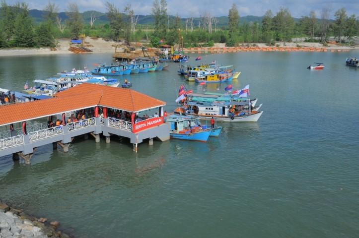 Tempat-Menarik-Di-Pulau-Sibu-Jeti-Tanjung-Leman