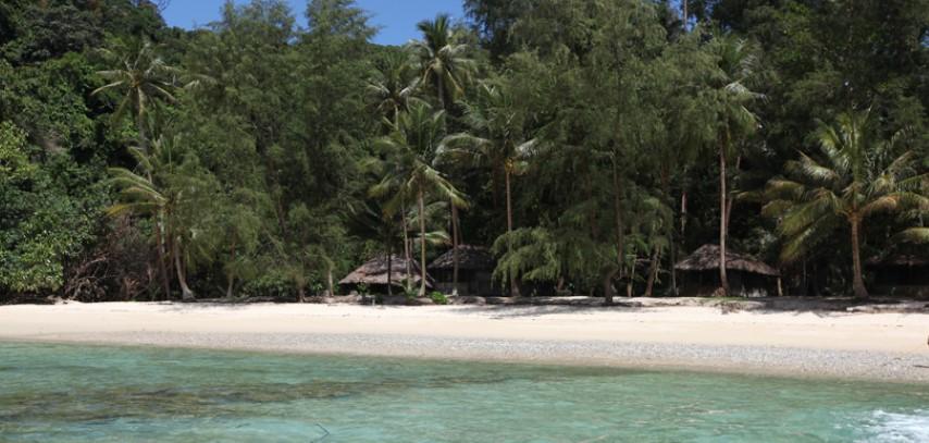 Tempat-Menarik-Di-Pulau-Sibu-Rimba-Resort-1