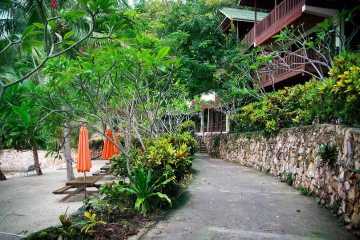 Tempat-Menarik-di-Pulau-Rawa-Frangipani-Villa