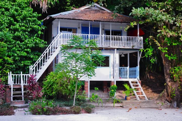 Tempat-Menarik-di-Pulau-Rawa-Jungle-Side