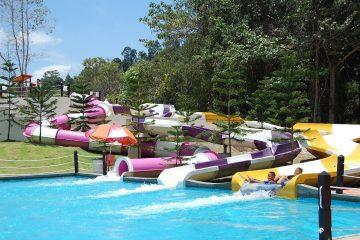 Bukit-Gambang-Water-Park-1