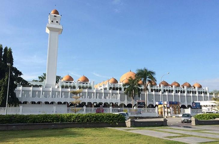 Tempat-Menarik-di-Perak-Masjid-Sultan-Idris-Shah-II
