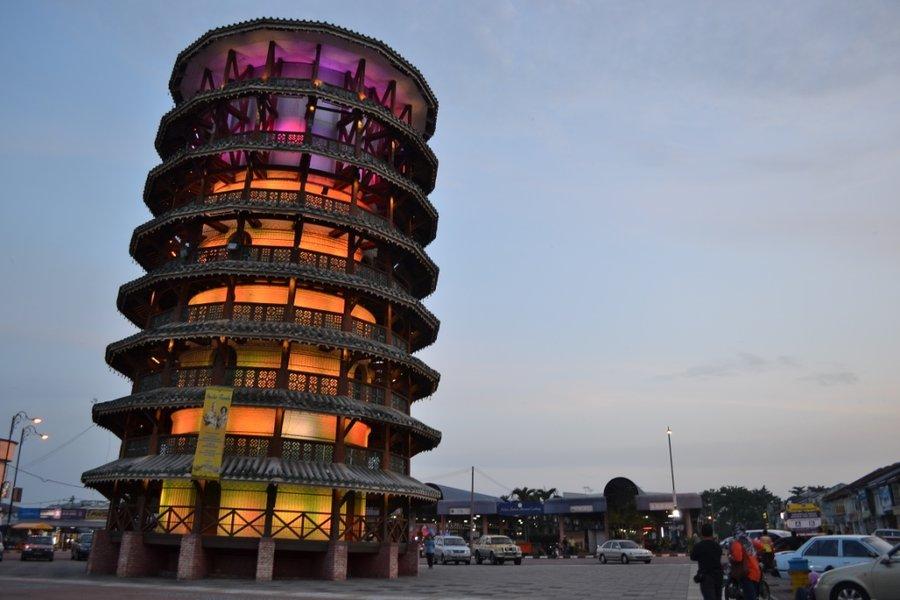 Tempat-Menarik-di-Perak-Menara-Condong-Teluk-Intan