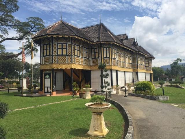 Tempat-Menarik-di-Perak-Muzium-Diraja-Kuala-Kangsar.jpg