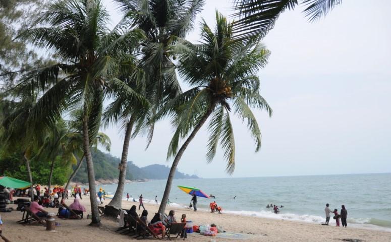 Tempat-Menarik-di-Perak-Pantai-Teluk-Batik