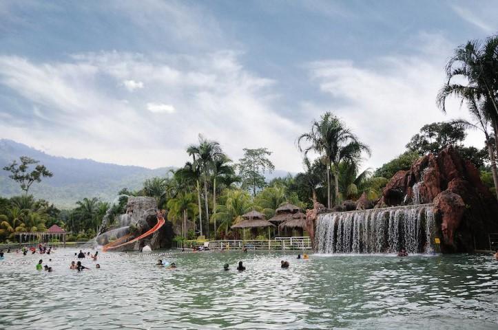 Tempat-Menarik-di-Perak-Sungai-Klah-Hot-Spring-Park
