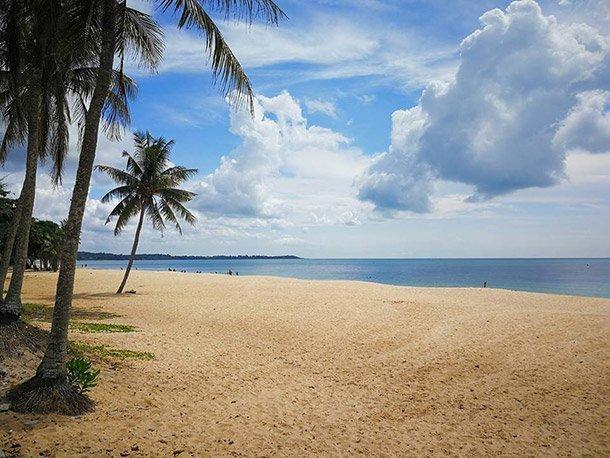 Tempat-Menarik-di-Pantai-Desaru-Johor-2