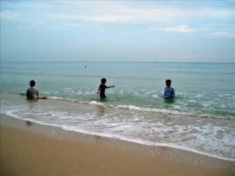 Tarikan-Menarik-di-Pantai-Desaru-1