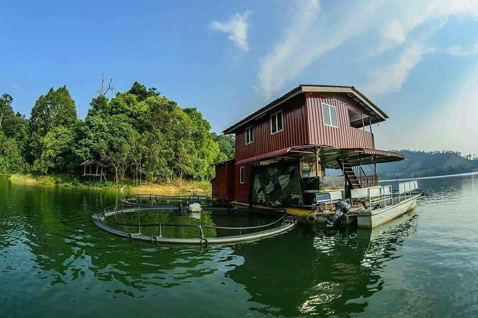 Tempat-Menarik-di-Kedah-Boat-House-Tasik-Pedu