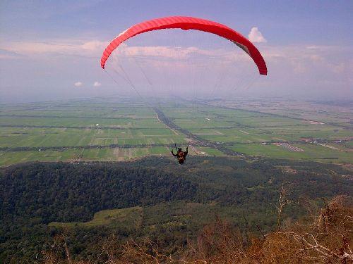 Tempat-Menarik-di-Kedah-Gunung-Jerai-Paragliding-Park