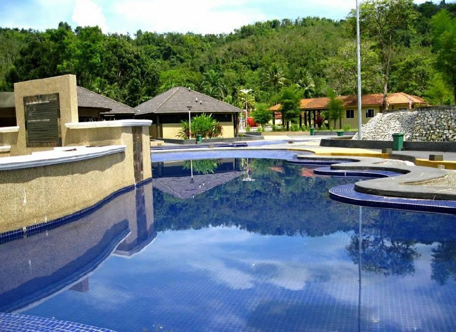 Tempat-Menarik-di-Kedah-Pusat-Rekreasi-Air-Panas-Ulu-Legong
