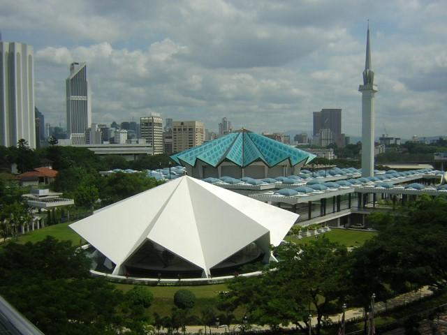 Tempat-Menarik-Di-Kuala-Lumpur-Masjid-Negara