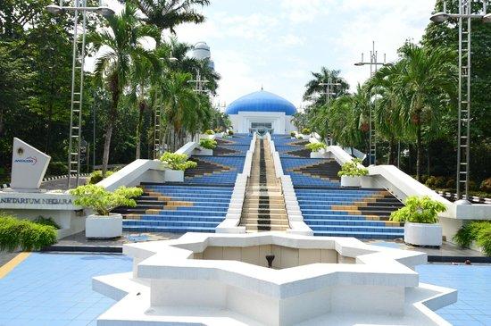 Tempat-Menarik-Di-Kuala-Lumpur-Planetarium-Negara