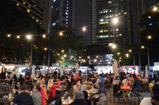 Tempat-Menarik-Di-Kuala-Lumpur-TAPAK-Urban-Street-Dining